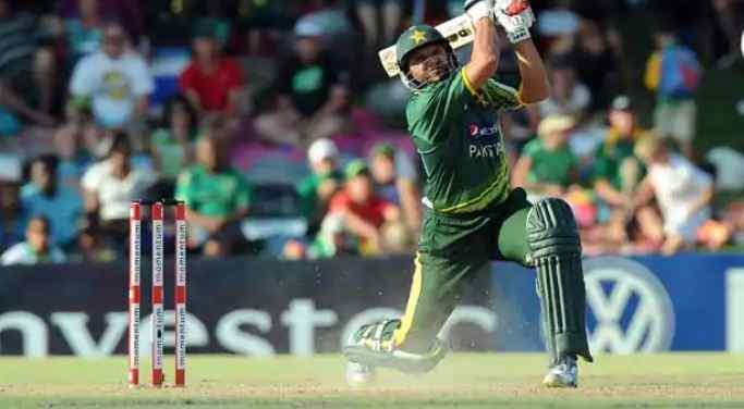 5 batsmen who scored the most runs in one over in ODI cricket