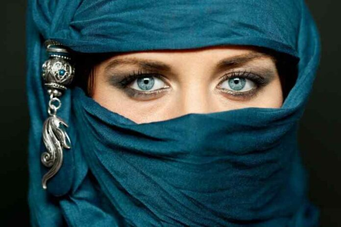 5 Best Arabic Khol to Buy in 2021 What is Arabic Kohl and Its Benefits
