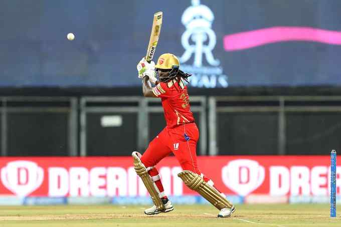 Chris Gayle Becomes First Batsman To Hit 350 Sixes In IPL History